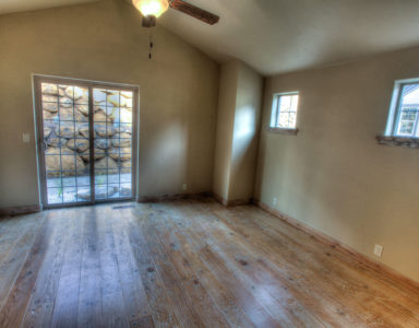 Hardwood floors, slider door to private patio -- there's nothing NOT to love!